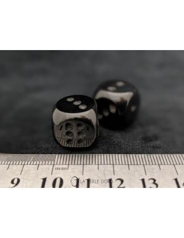 Tourmaline noire, dés à jouer