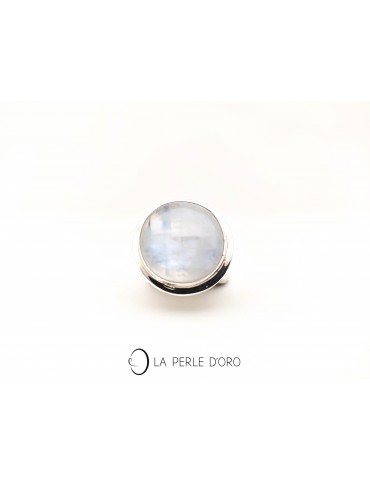 Moon stone round silver ring