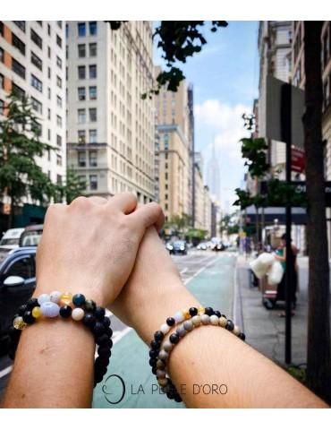 Gauche : Lien d'Amour, Lien de Vie - Droite : Lien d'Amour et bracelet collection Messager