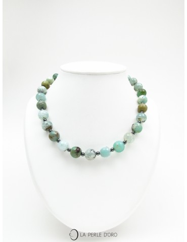 Short necklace,...