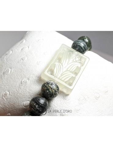 Jade sur Jaspe vert zébré,...